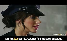 poliziotta porcelllona