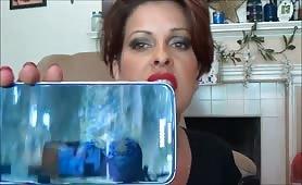 troia mostra il suo video porno a tutti