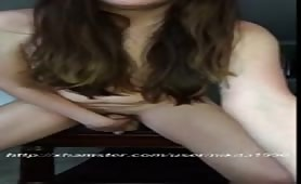 troia si masturba con grosso strapon