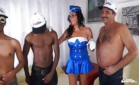 Marco e Laura, coppia di scambisti italiani in orgia porno interraziale