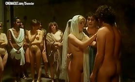 Grande ammucchiata ripresa dal film Caligola - La storia mai raccontata