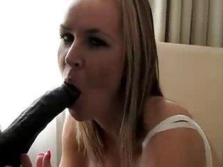 Pompini di una seducente moglie cuckold