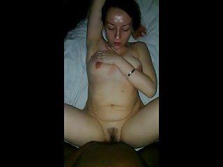 Negro si gode la fica di mia moglie