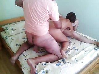 Scopando due uomini davanti al marito