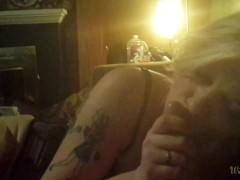 Esperienza cuckold di una bella moglie bionda pompinara