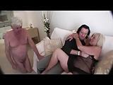 Moglie anziana con marito sottomesso scopata dal suo bull