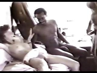 Cuckold vintage in camper con negri dotati