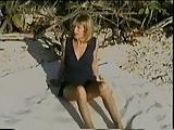 Sposa matura cuckold scopata in spiaggia da bel negrone