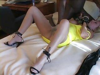 Usata da superdotato che si gode la moglie schiava